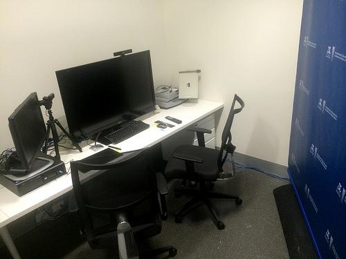 Q216 Samll Videoconference Room